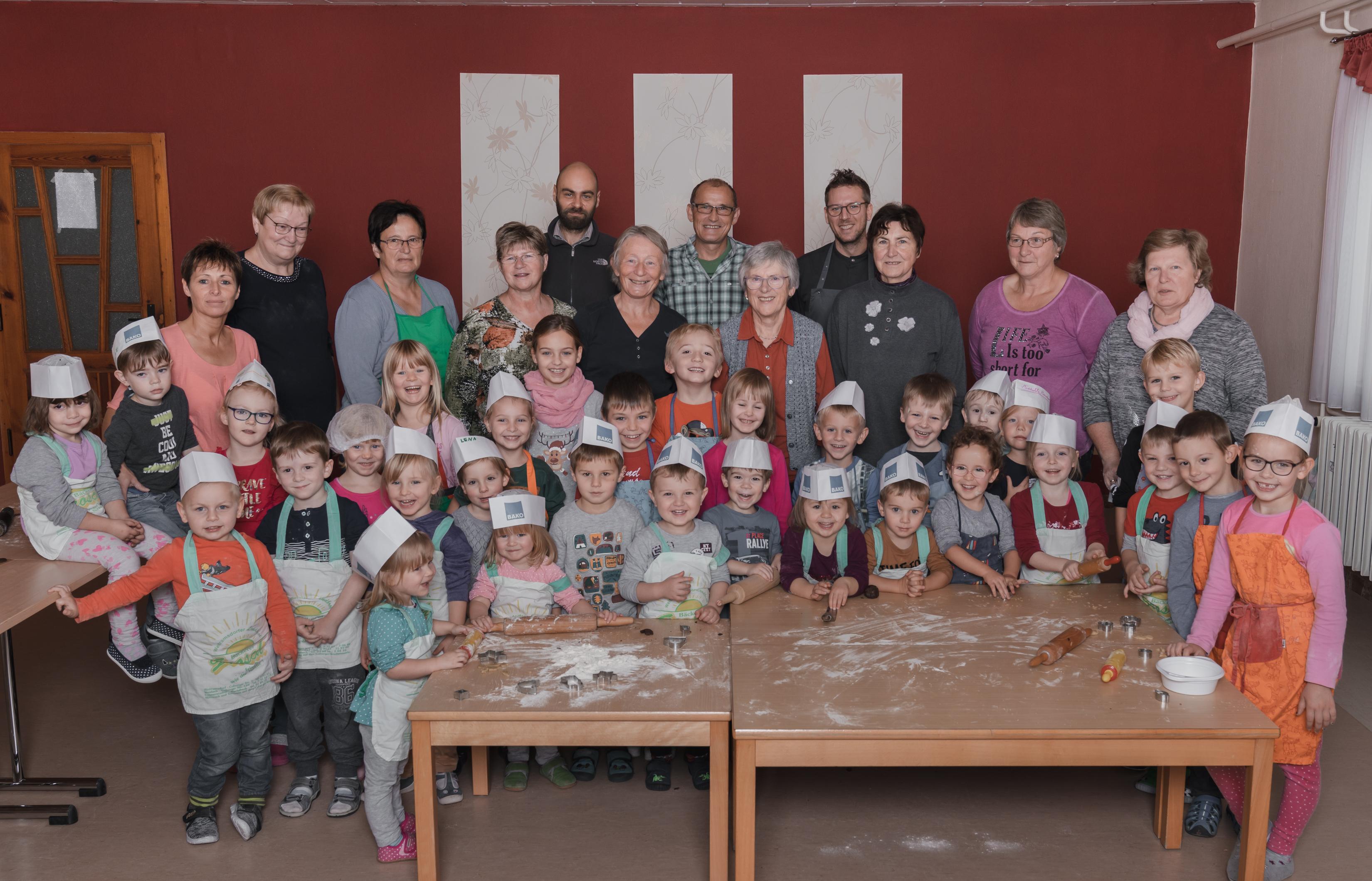 Weihnachtsbacken mit den Großeltern